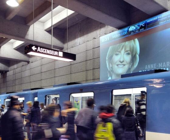 Écrans d'information Métrovision dans le réseau du métro